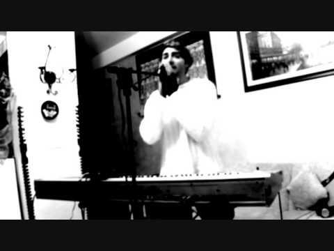 """bizé play Ilenia Volpe (live private experiment """"mondo indistruttibile"""")"""