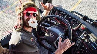 Driving home for Christmas in mijn dikke vette Scania V8!