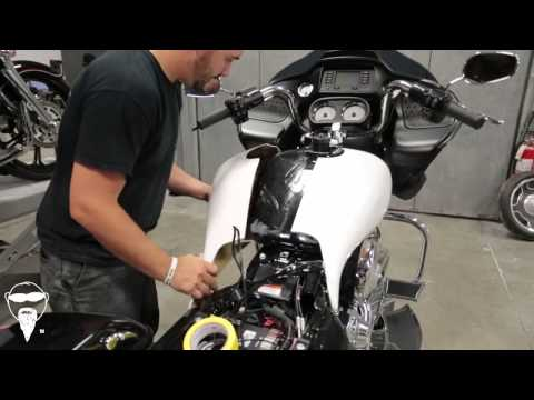 2015 ROAD GLIDE Tech Series Pt. 4 Tank, Dash, And Gas Cap Install