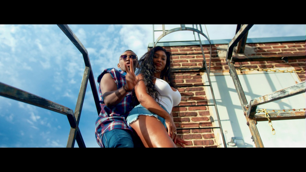 Download Malo (Official Video) - Bracket