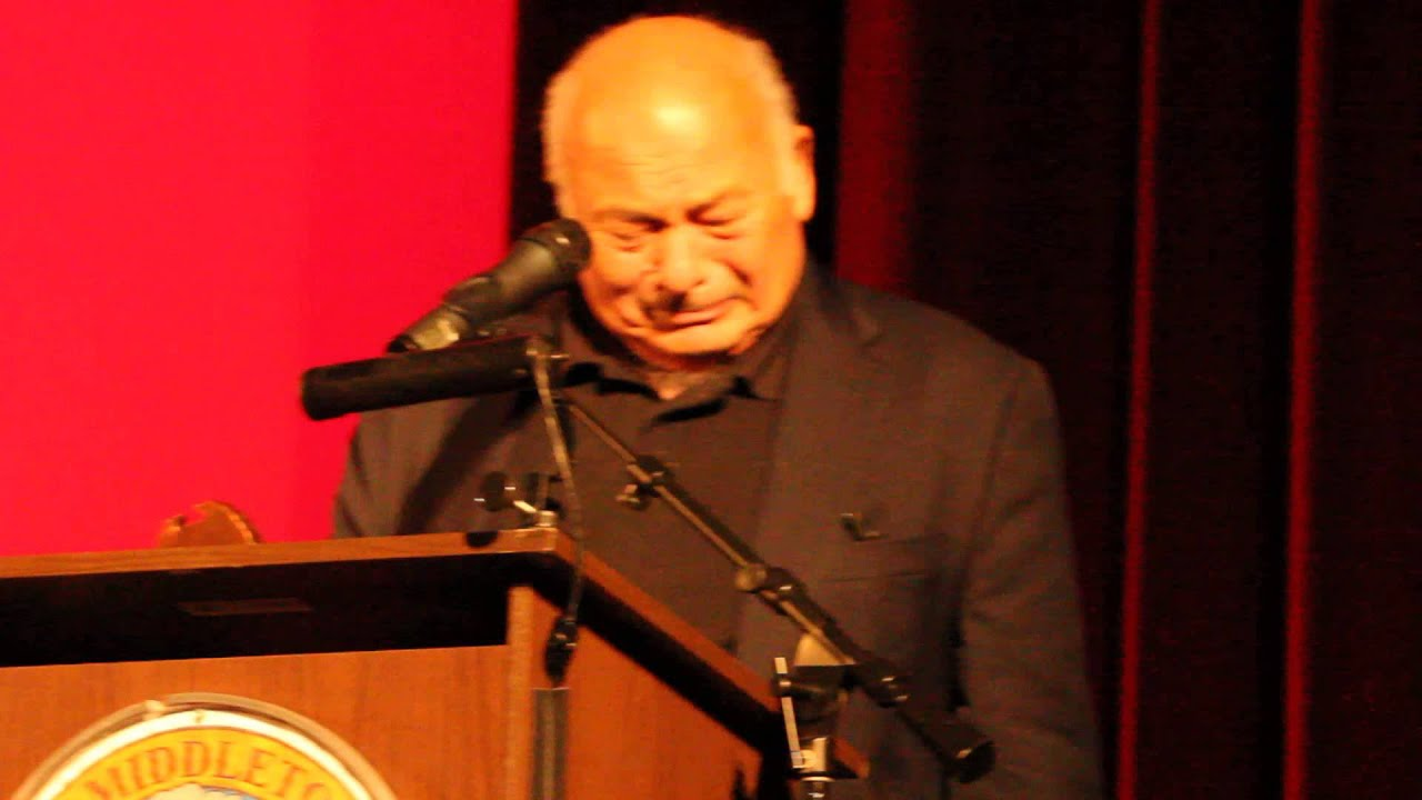 burt young height