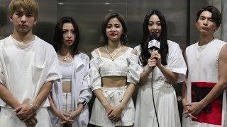31日、男女混合5人組グループ・lolが六本木ヒルズアリーナで開催されて...
