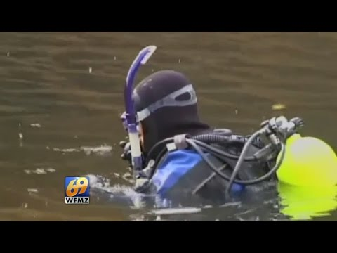 Divers go underwater to map submerged trains in Delaware River