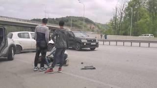 Мототоциклиста сбили во Владивостоке