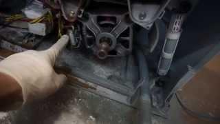 Как снять двигатель стиральной машины Электролюкс/Занусси. Видео №32