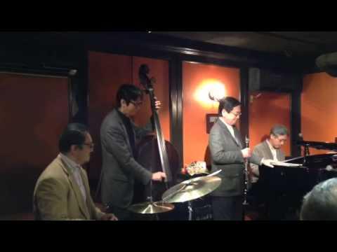 Twilight Special Jazz & Bar em's Pro-Ama Quartet (e-PAQ) (枯葉 )