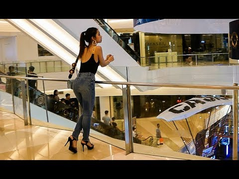 Siam Paragon - Luxury Shopping Mall - Bangkok, Thailand