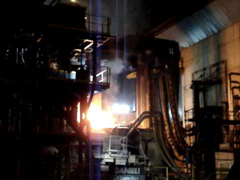 Horno electrico fundiendo chatarra para la elaboracion de for Ofertas de hornos electricos
