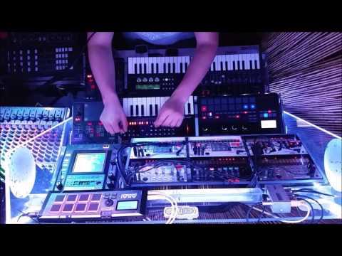 Live Techno V (HD)- Korg Volca Electribe Sampler Roland JX03 Arturia Microbrute - Hardware Techno