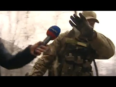 'Outta my face!' Foreign fighters filmed on ground with Kiev army