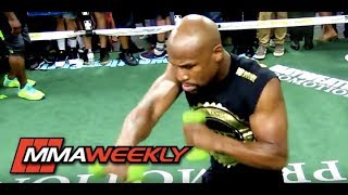 Floyd Mayweather's Small Hands Have Limited His Ability to Finish Fights