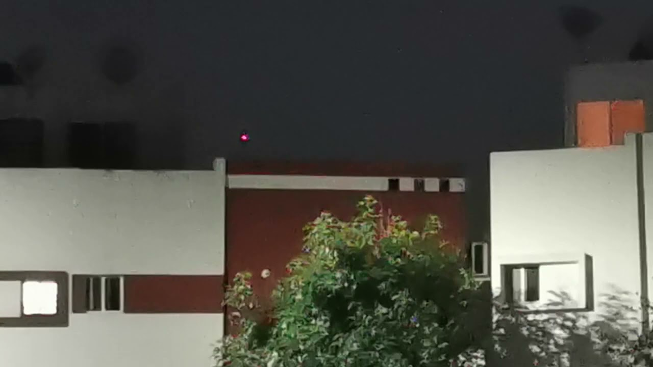 UFO/OVNI CAPTURED ON VIDEO OVER A NEIGHBORHOOD IN GUADALUPE NUEVO LEON  6-17-2021 @ 830PM