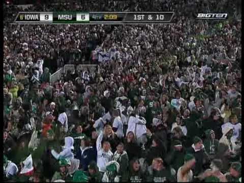 MichiganState Pulls Off The Hook and Lateral!!