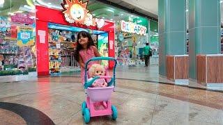 Baby Alive Dia das Crianças Clarabela e Bia escolhendo seus Presentes