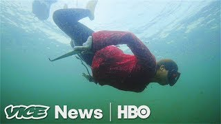 """Japan's Last """"Ama""""   The Female Fishers Who Free Drive For Seafood (HBO)"""
