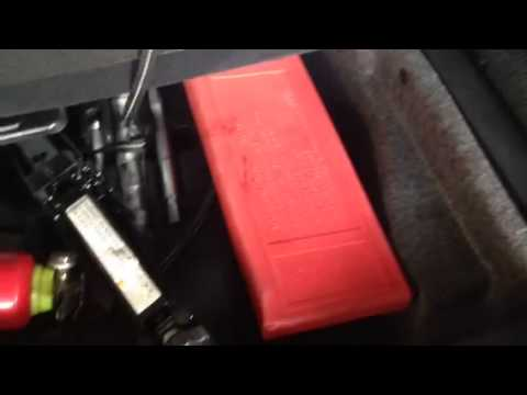 Auxiliary battery gl450 2013 youtube for Mercedes benz gl450 battery location