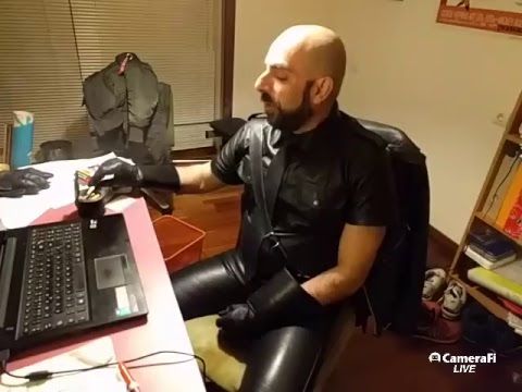 Live broadcast. Smoking in (and talking about) leather. Join and chat live!