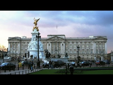 BUCKINGHAM PALACE: GARDENS+SHOP+QUEEN'S GALLERY+ROYAL MEWS