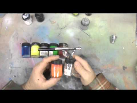 Airbrush 101. Gravity vs Siphon