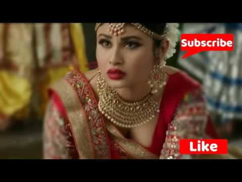 Hot Mouni Roy Deep Cleavage show in Nagin thumbnail