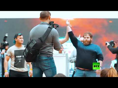 شاهد.. مسابقة لـ-تبادل الصفعات- في كراسنويارسك الروسية  - نشر قبل 31 دقيقة