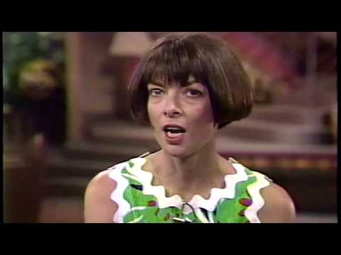JOAN LONDON and ANNA WINTOUR interview from 1989