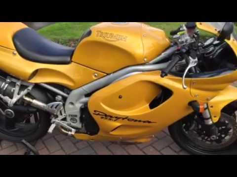 Triumph Daytona i review MARK SAVAGE