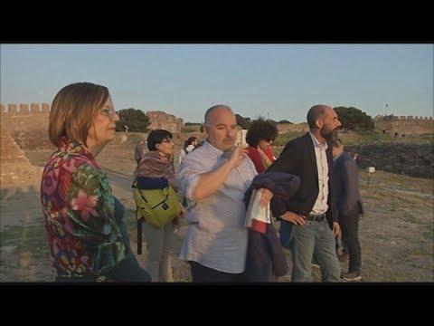 Στη  Λέσβο   η υπουργός Πολιτισμού Μυρσίνη Ζορμπά (χωρίς ήχο)