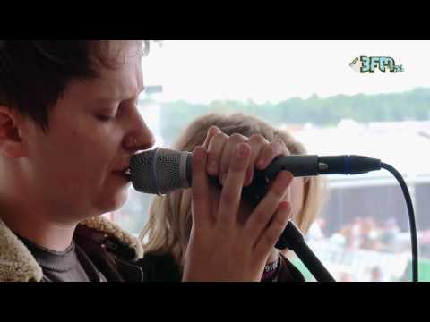 Nothing But Thieves - 'Trip Switch' | Pinkpop 2016 | 3FM