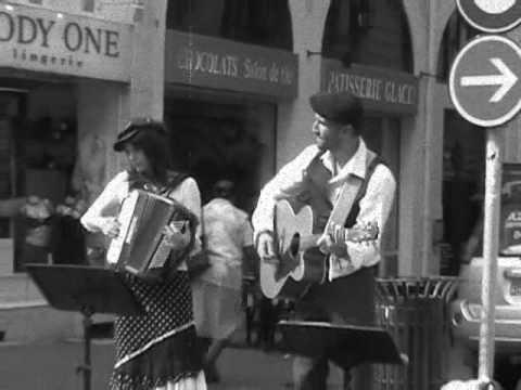 « Au coin d'la rue »duo acoustique chanson française et international panash compagnie