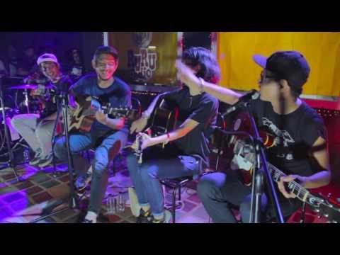 The Adams - Waiting/Konservatif (Acoustic Live At Gudang Sarinah 29/09/2016)