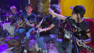 Video The Adams - Waiting/Konservatif (Acoustic Live At Gudang Sarinah 29/09/2016) download MP3, 3GP, MP4, WEBM, AVI, FLV Agustus 2017