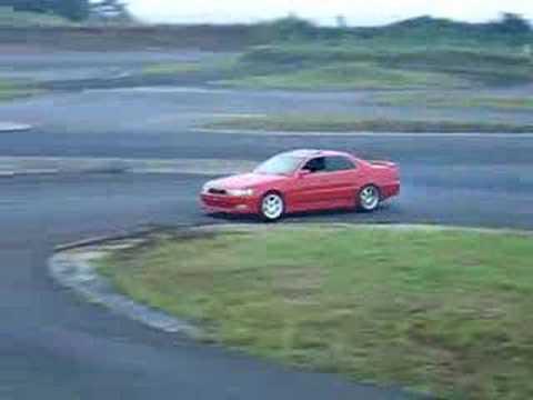 Toyota CRESTA drifting in Ebisu - Japan