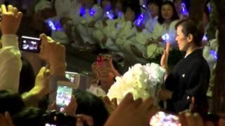 2014年5月11日 東京宝塚劇場花組千秋楽、蘭寿とむさんの出待ちです。