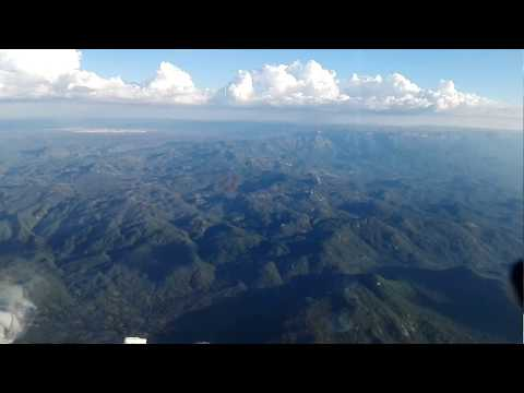 Descending, approuch and landing in Lubango airport, FNUB, Angola