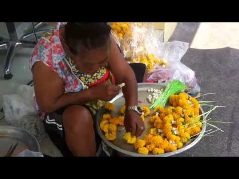 Explore flower market in bangkok- Pak Klong Talat- a big wholesale flowers market