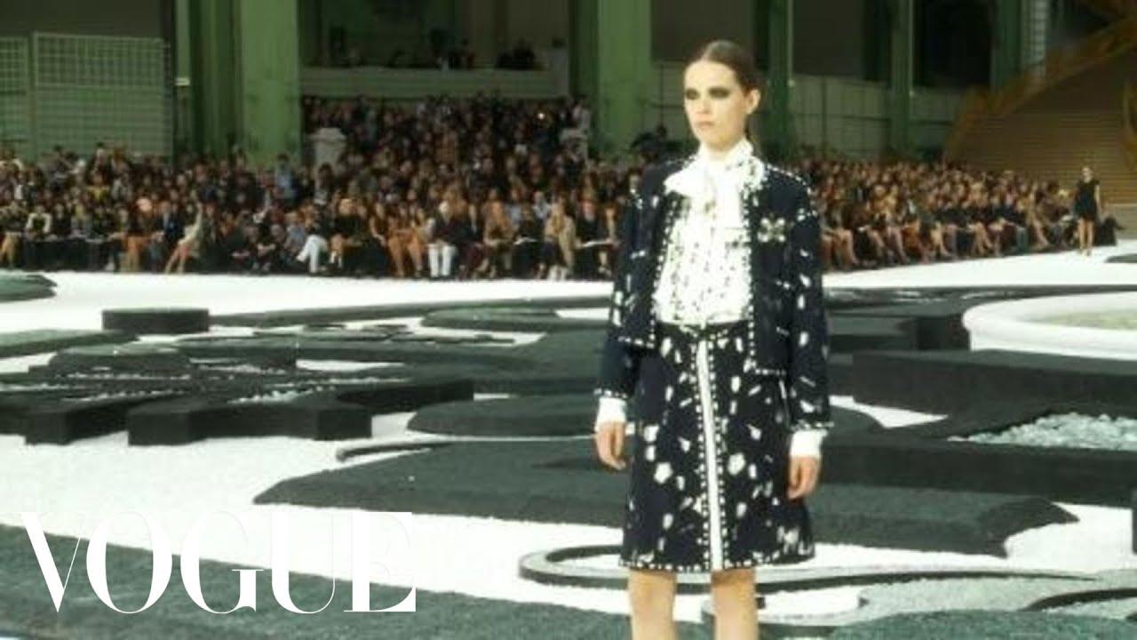 9c70c4ab Fashion Show - Chanel: Spring 2011 Ready-to-Wear - YouTube