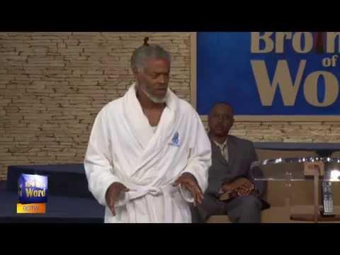 Pastor Explains Hotel Incident In Bathrobe Barefoot
