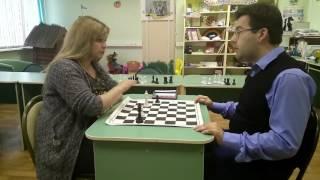 Удивительные люди: урок по шахмат на нескольких языках&Queen_chess