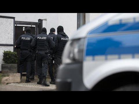 ألمانيا: اعتقال 12 شخصا  في إطار تحقيق بشأن مخططات اعتداءات لليمين المتطرف…  - 21:58-2020 / 2 / 14