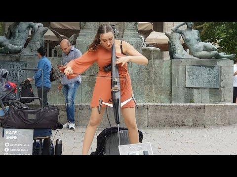 บรรเลง เซลโล่่ไฟฟ้า  Amazing Electric Cello by Kate Shine in Hamburg Germany.......