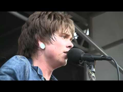 NeverShoutNever  Trouble @ Warped Tour 2010