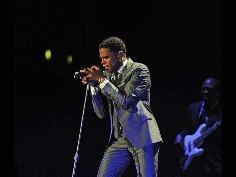 Singer Maxwell FacebookLive