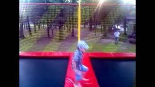 прогулка прыжки на батуте парк шевченко лето 2016(, 2016-07-18T14:02:42.000Z)