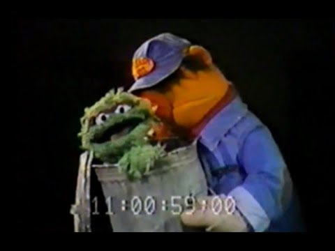 Oscar Sings ''I Love Trash'' (1980 World Puppetry Festival)