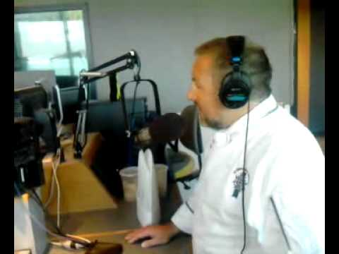 1059 SUNNY-FM Cooks Croque-Moniseur with Chef Jimmy