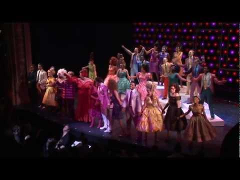 RAW: Hairspray - Curtain Call (Press Night)