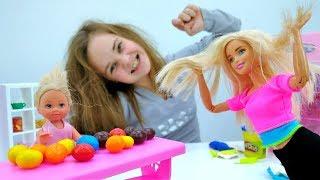 Барби и Штеффи готовят печенье с предсказаниями из Плейдо