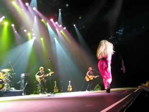 "Amanda Marshall - ""Sunday Morning After"" live at Casino Rama"