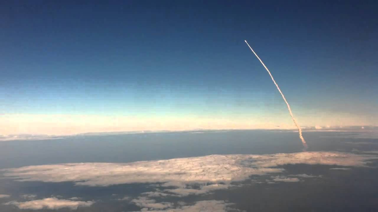 Gravity Falls Wallpaper 1366x768 Space Shuttle Launch Viewed From An Airplane Youtube